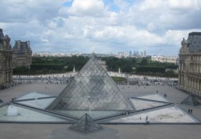 01 Louvre pyramide TLM