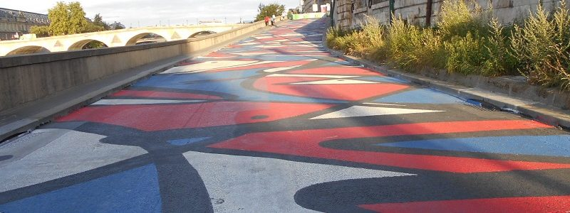 2018 07 Stream Berges de Seine street art TLM