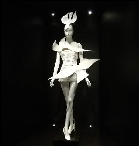 2018-musée-Yves-St-Laurent-robe-TLM